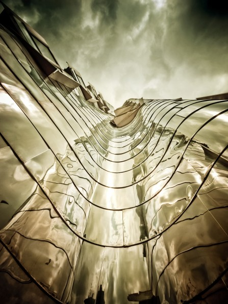 Gehry architecture hotel building facade fassade new york wave curved organic architecture reflection sky photograph