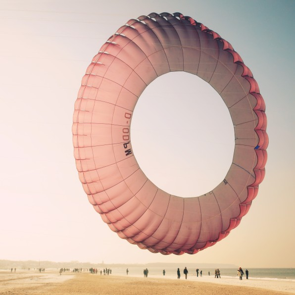 doughnut, sky, parachute, photo, photography, wind, beach artistic photography sand summer holiday travel adventure paragliding parachute on beach kite surfing