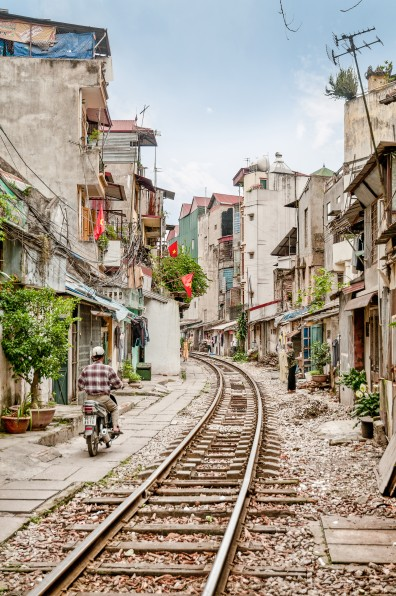 tracks, photography, train tracks, residences, Hanoi, photo, colour, destination