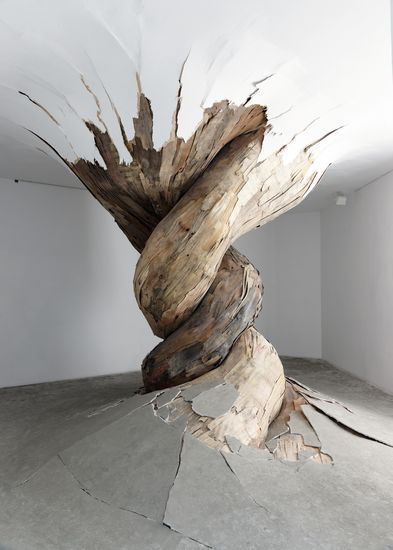twisted art piece exhibition root wood timber gallery space Henrique Oliveira - Desnaturaleza 2011