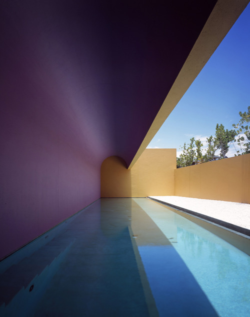 Casa Kona by Legoretta + Legoretta architects swimming pool water colour colorful architecture photography photo tumblr image