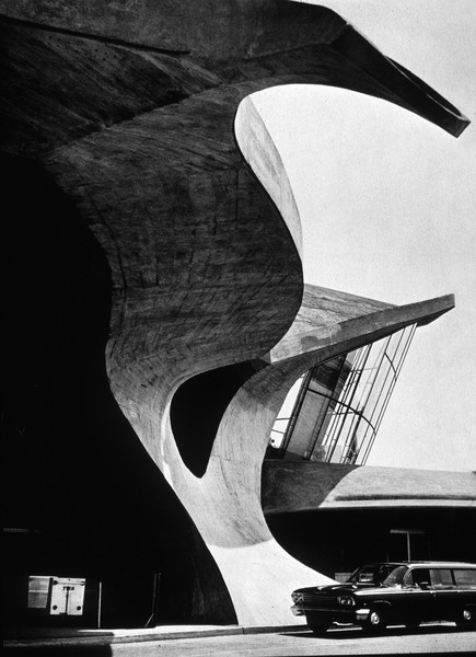 curved concrete architecture organic flow curves construction photography black and white photo organic concrete structure wavy curvy flow finnish scandinavian architecture airport New York building