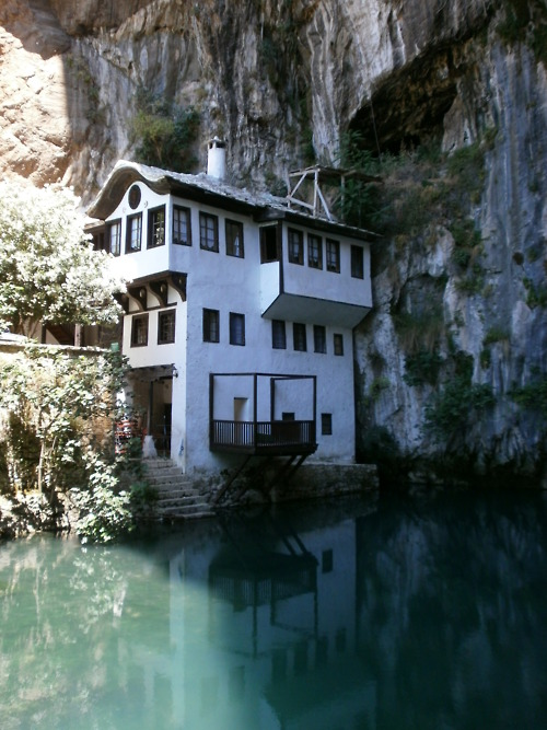 cabin, lake, traditional, architecture, photography, photo, rocks, reflection, amazing, beautiful, nature, water