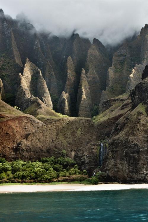 rock landscape mountain coast sea ocean water beach nature photography photo photograph image stunning cliff
