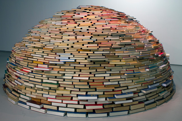 reading book art sculpture 3d letters display photo image photography design