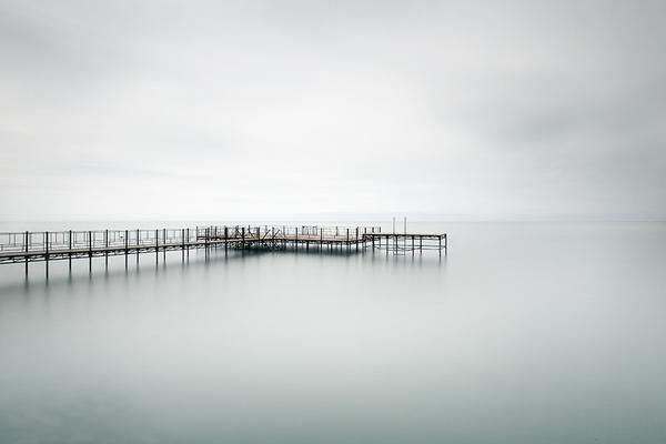 minimalist photography black and white photography blog best tumblr theme wordpress white monochrome simple photographer coast beach sea pier landscape photography