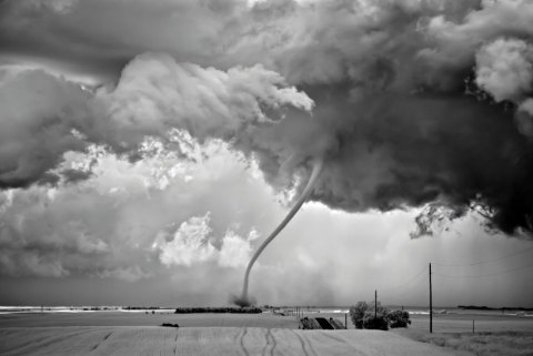 storm tonado black and white photograph twister clouds rain thunder weather stunning shocking beautiful photograph best black and white photography competition usa sony world