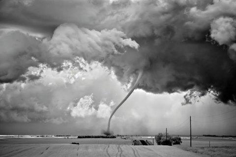 storm tonado black and white photograph twister clouds rain thunder weather stunning shocking beautiful photograph best black and white photography competition usa sony world