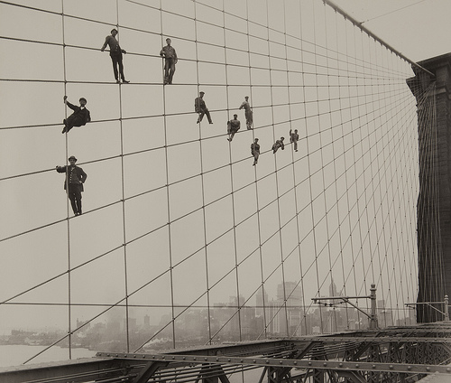 Painters on Brooklyn Bridge Suspender Cables october 7 1914 New York City Manhattan, USA architecture photography vintage black and white monochrome photography artist photographer retro old archive photo bridge building suspension bridge cables