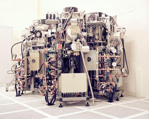 we invent - gigantic machine, robot, innovative, corky, big, weird, computer, installation, art, tech art, photo, photography, cables,