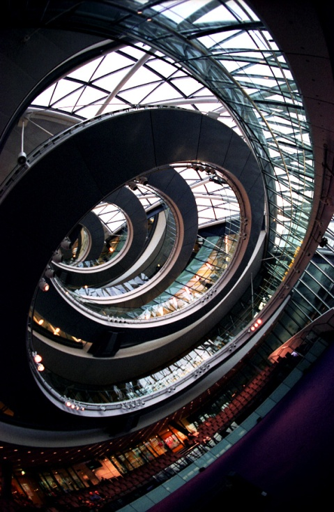 foster and partner architects city hall london mayor office council chamber Uk capital spiral staircase assembly glass construction organic architecture photography best blog website