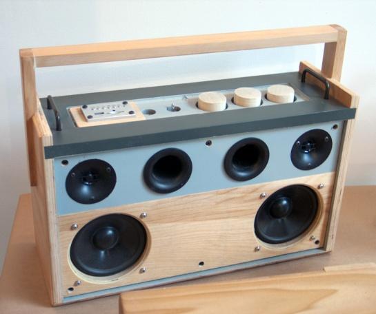 diy radio hifi self build design music player stereo mobile cool funky radio design speakers sound photography artistic wood product design