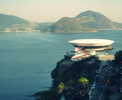 oscar niemeyer modern architect brazil niteroi contemporary art museum recent death of brailian legendary modernist star architect oscar niemeyer white concrete light organic architecture forms
