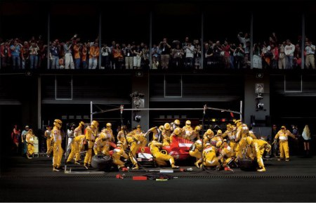 formula 1 one pit stop crew racing driver photography photo behind the scenes look training