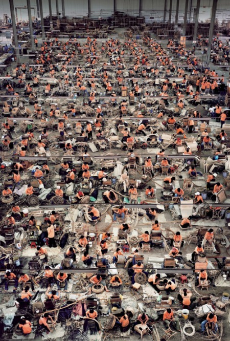 Andreas Gursky photographer acution art surreal urban large scale aerial photography sold rhein 2 vietnam factory workers life day blog best great stunning large scale big photos