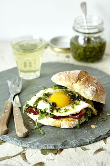 healthy fried egg burger sandwich cooking food delicious tasty amazing burger kitchen food photography