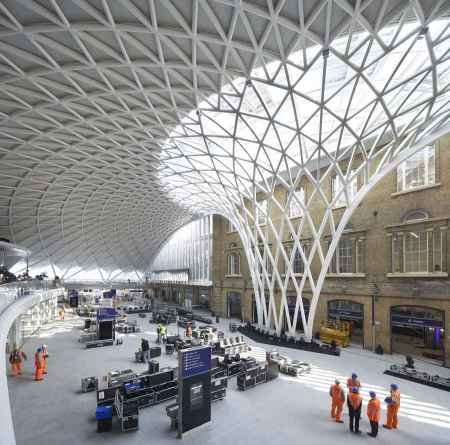 kings cross station roof london john mcaslan partners architects london uk architecture train station King's Cross St. Pancras organic architecture roof single maximum span concrete beams steel structure vault dome light grid spaceframe