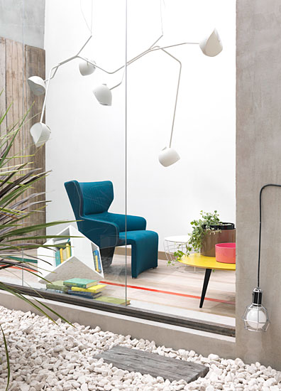 Liberi Tutti interior design ruy teixeira italy spain portugal modern interior furniture decoration style fashion magazine inspiration designer scandinavian timer concrete materials light contrast colours colors