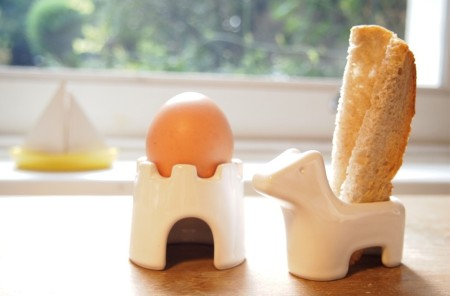 breakfast porcelain clay playful table ware salt and pepper shaker egg holder kitchen design