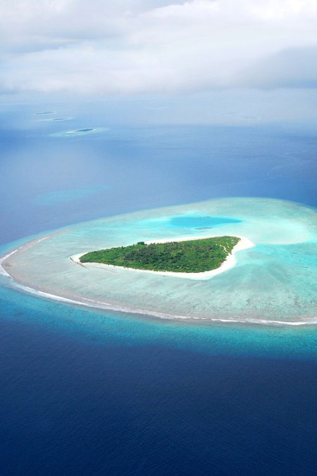 island tropical maldives caribbean sea ocean holiday paradise coral reef sea water landscape nature adventure trip travel place to visit beautiful island