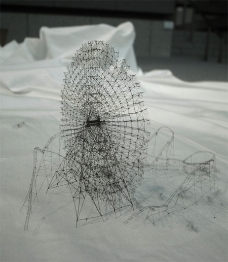 Takahiro-Iwasaki art delicate intricate detail wire sculptures rollercoaster construction structure ferris wheel tooth brushes tiny art pieces delicate amazing detail