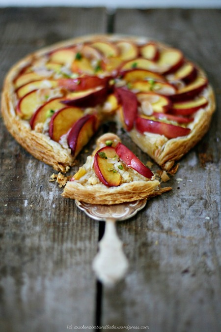 vegetarian pizza Lovely nectarine and pistachio Frangipane cooking recipe healthy food lunch kitchen food photgraphy