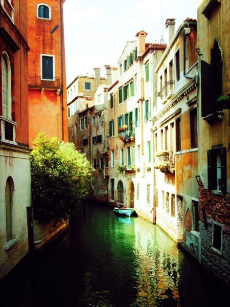 venice-canal italy travel architecture boats houses history sights sightseeing places to visit bucketlist wonderful location