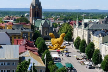 As part of an open air festival - the 'Big Yellow Rabbit' of Örebro, Sweden by Rotterdam-based artist Florentijn Hofman / photographs by Lasse Person