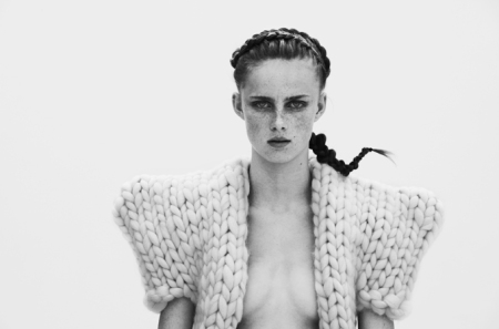knitwear collection 'More or Less' by dutch fashion designer Nanna van Blaaderen /