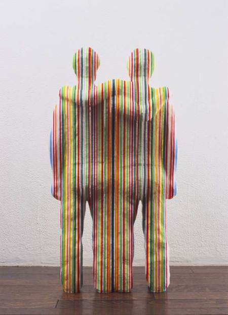 "Multi-colored stripe sculptures of Kyotaro Hakamata. Kyotaro Hakamata creates wonderfully colorful statues using multi-color stripes. His works, which are usually in the likeness of human bodies or body parts, are at first hardly recognizable. But that is the exact intent of the artist. ""Stripes are very strong visible elements. They destroys shapes"". The contradiction that stripes (as a shape) can actually hinder our ability to recognize shapes is what interested Hakamata."