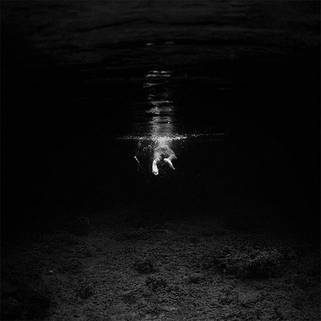 Black and White Underwater Photography by Hengki Koentjoro (2)