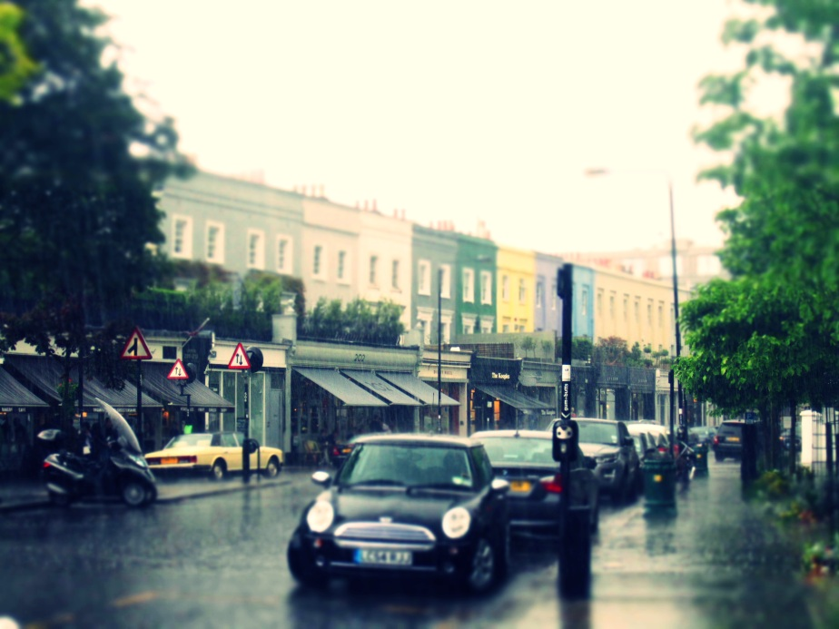 'It's raining, it's pouring' - beautiful photographs from Engineer/Blogger/Photographer Aishling Browne capturing a British Summer on the streets of Notting Hill, London.