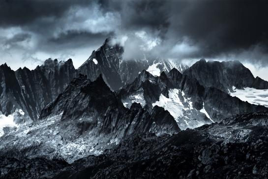 Monocromatic Alps by Jakub Polomski (2)