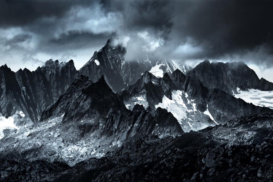 Monocromatic Alps by Jakub Polomski (2)