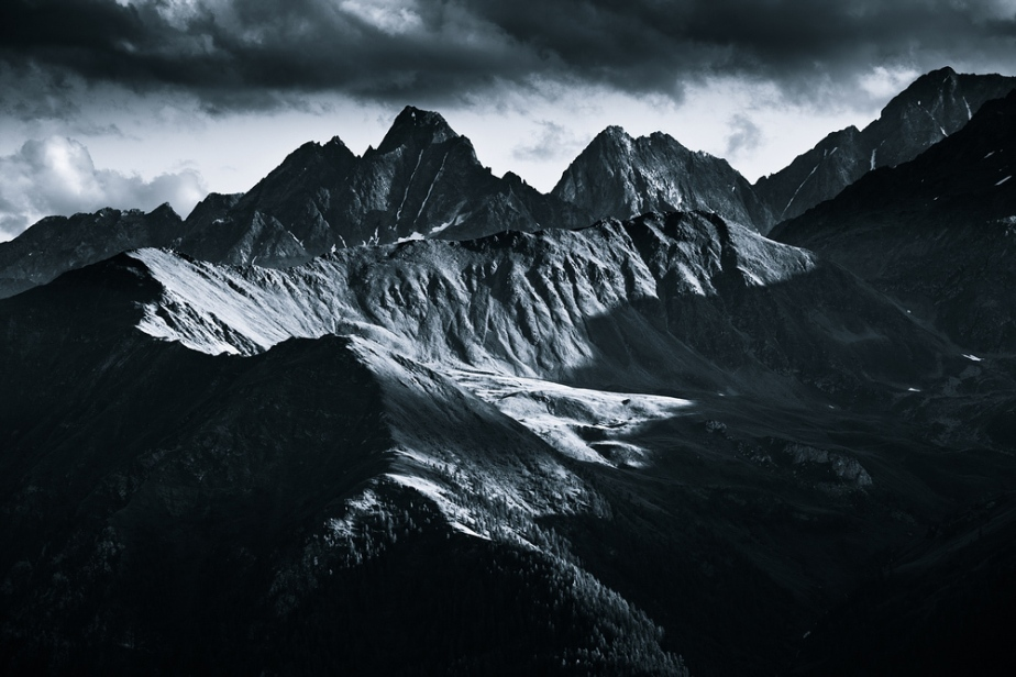 Monocromatic Alps by Jakub Polomski (3)