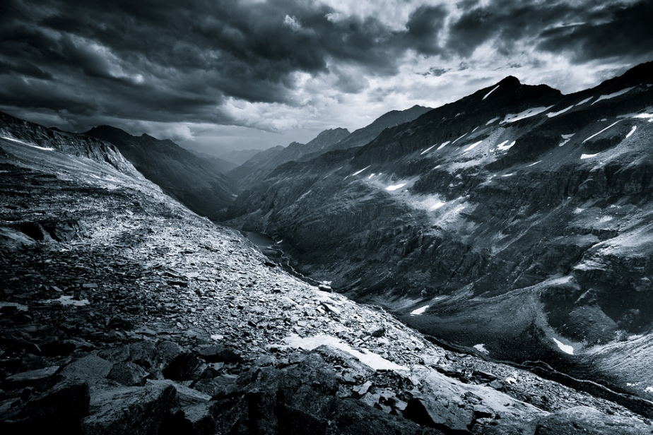 Monocromatic Alps by Jakub Polomski (4)