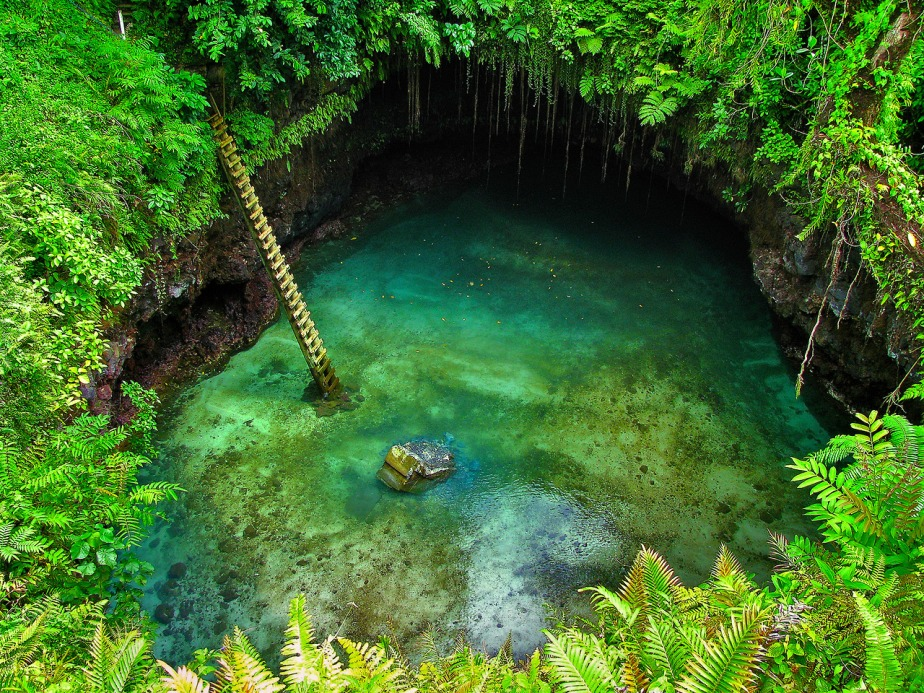 Tosua Ocean Trench - Lotofaga, Samoa  photography by Steven and Darusha, Mick Byrne, spice on tour (1)