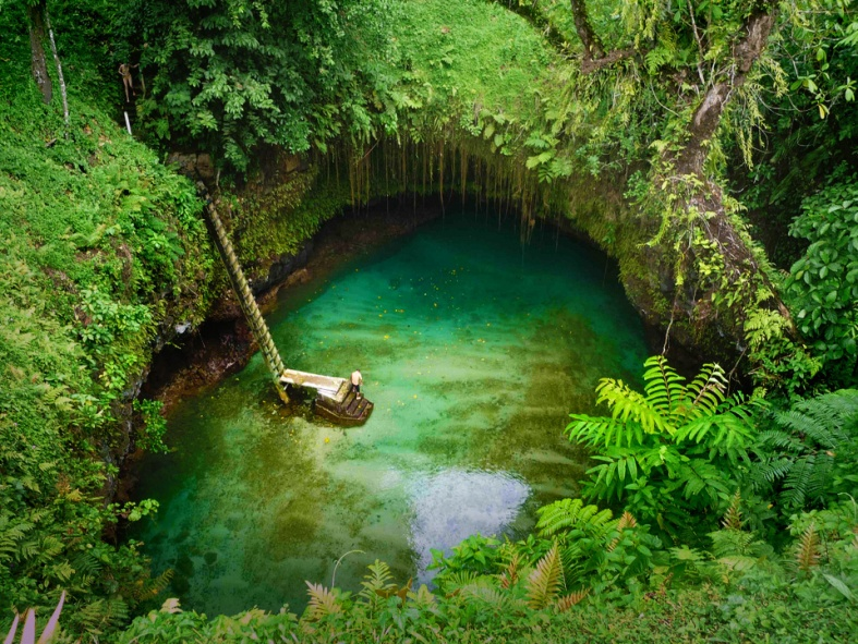 Tosua Ocean Trench - Lotofaga, Samoa  photography by Steven and Darusha, Mick Byrne, spice on tour (2)