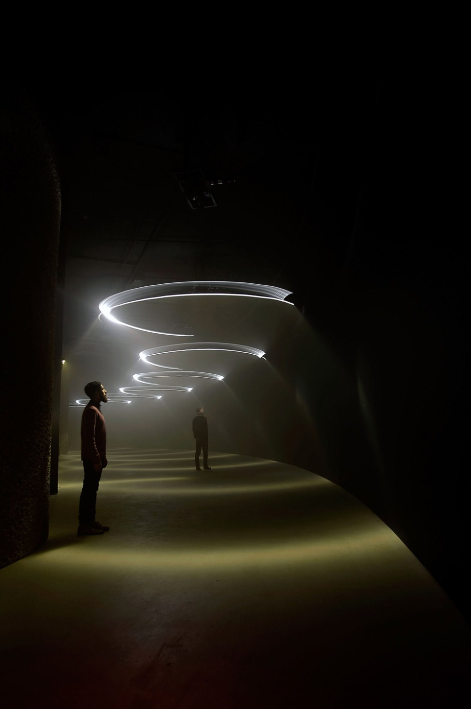 United Visual Artists  Momentum at The Curve, Barbican Center (2)
