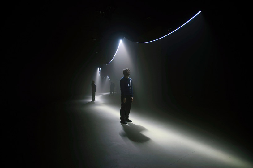 United Visual Artists  Momentum at The Curve, Barbican Center (8)