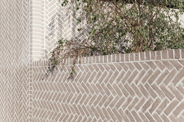Herringbone-House-by-Atelier-ChanChan1