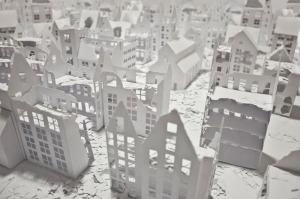 Installations of broken miniature paper houses by Daniele Del Nero (3)