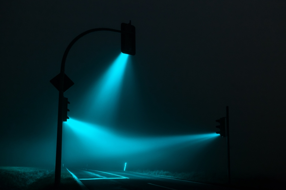 Misty Traffic Lights in Germany Photographed by Lucas Zimmermann (2)