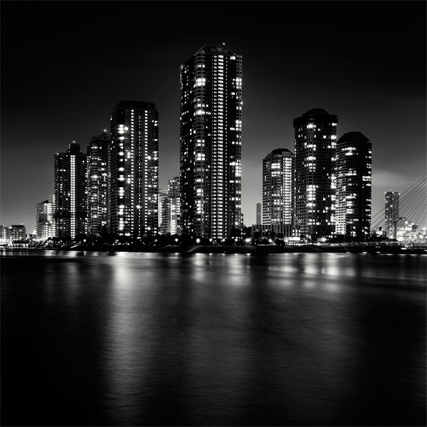 Spectacular Black & White Tokyo Cityscape Photography by Marcin Stawiarz (1)