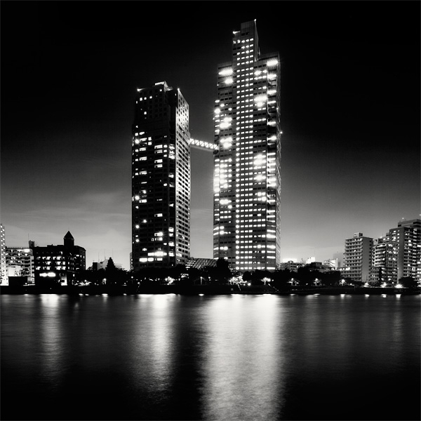 Spectacular Black & White Tokyo Cityscape Photography by Marcin Stawiarz (2)