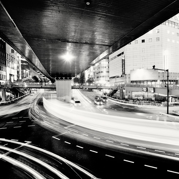 Spectacular Black & White Tokyo Cityscape Photography by Marcin Stawiarz (4)