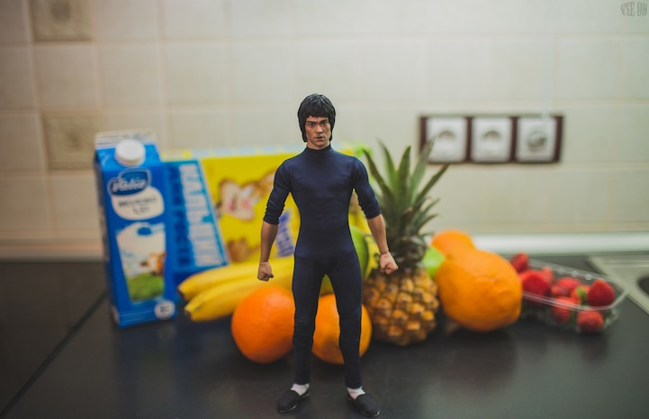 Tiny Bruce Lee Uses Martial Arts to Prepare Breakfast by VSE OK  (1)