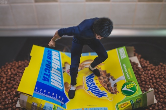 Tiny Bruce Lee Uses Martial Arts to Prepare Breakfast by VSE OK  (5)
