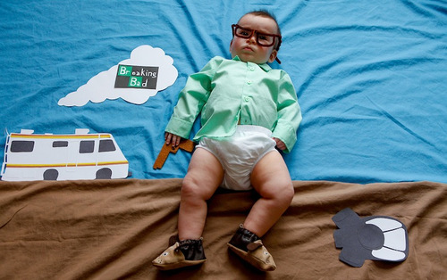 California-based photographer Karen Abad dressed up her friend's adorable baby as popular TV show characters (2)