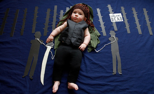 California-based photographer Karen Abad dressed up her friend's adorable baby as popular TV show characters (3)